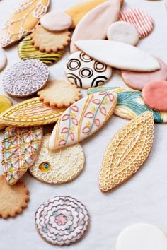 Beautiful Patterned Cookies - variety and texture in cookie form by Baked Ideas! Fancy Cookies, Iced Cookies, Cake Cookies, Sugar Cookies, Cupcake Cakes, Cupcakes, Sweet Paul, Cookie Designs, Cute Food
