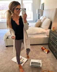 Work from home outfit! Cute Lounge Outfits, Lazy Day Outfits, Cute Comfy Outfits, Cute Fall Outfits, Fall Fashion Outfits, Casual Winter Outfits, Mom Outfits, Cute Fashion, Chic Outfits