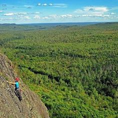 Wow! We couldn't help but share this shot of a climber scaling a Trap Hills mountain in Matchwood! Where do you thrill-seek in the Great Lakes state? Thanks to @climbs2high for sharing! #PureMichigan #RockClimbing