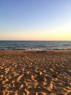 Punta Umbría Ocean Wallpaper, Locked Wallpaper, Sky Sea, Sea And Ocean, Beautiful Sunset, Beautiful Places, Night Aesthetic, Scenery Photography, Summer Photos