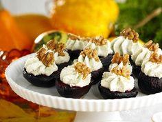 Bakade rödbetshalvor med osttopp - Recept - Förrätter Buffémat Tapas och tilltugg | Allt om Mat