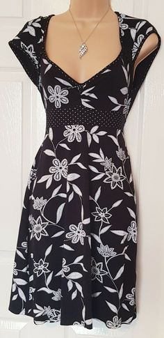 c19f7f4046d Jane Norman Ladies Black White Floral Stretch Spring Party Smock Dress Size  14