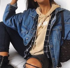 trendy outfits for summer . trendy outfits for school . trendy outfits for women . Fashion Mode, Look Fashion, Teen Fashion, Fashion Outfits, Denim Fashion, Womens Fashion, Fashion Fashion, Fashion Lookbook, Teenager Fashion