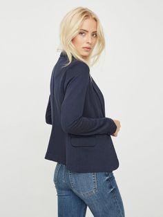 Jersey blazer | VERO MODA Models, Blazers For Women, Neue Trends, Ruffle Blouse, Take That, Neckline, Turtle Neck, Buttons, Female