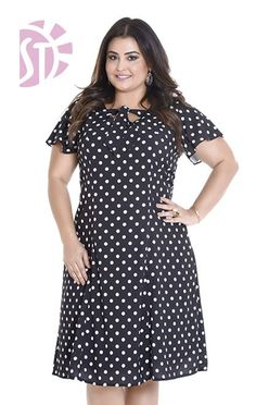 Elegant polka dots dress for moms. Plus Size Fashion For Women, Plus Size Women, Plus Fashion, Vestidos Plus Size, Plus Size Dresses, Clothing Patterns, Dress Patterns, Corporate Attire, Plus Size Pants