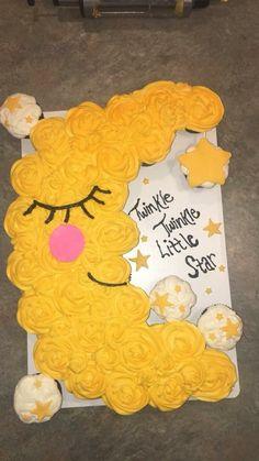 Twinkle Twinkle Little Star pull apart cupcake cake - Cakes - Kuchen Cupcake Cake Designs, Cupcake Shops, Cupcake Cakes, Cupcake Ideas, Cup Cakes, Baby Shower Cupcake Cake, Cupcake Party, Shower Cakes, Birthday Cupcakes