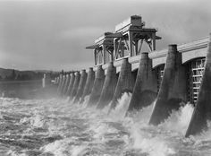Columbia River & Bonneville Dam, Oregon. 1939- sturgeon viewing room!