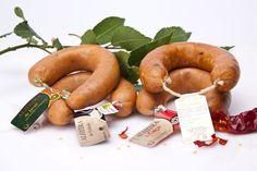 Alheiras produzidas por Bísaro - Salsicharia Tradicional Sausage, Meat, Food, Kale Stir Fry, Traditional, Sausages, Essen, Meals, Yemek