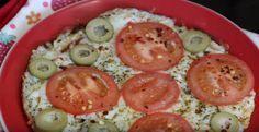 Pizza de frigideira low carb para te salvar na dieta low carb, pois você sabe como é difícil de encontrar uma boa receita de massa de pizza low carb (ou mes