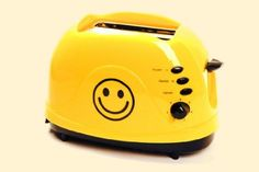 Found on largesmileyfaces.com     Smiley Face Toaster