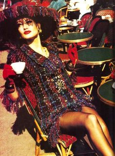 """Paris Lightens Up"" ~ Karen Mulder by Ellen von Unwerth for Vogue US, October 1991 Plaid Fashion, 90s Fashion, Fashion Models, Fasion, Ellen Von Unwerth, Chanel Couture, Vogue Editorial, Editorial Fashion, Tartan"