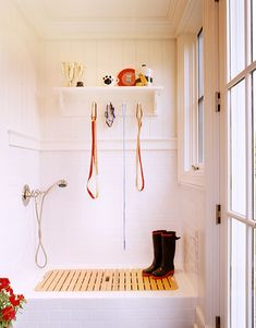 Dog Day Design: Stylish Ways to Incorporate Fido into Your Decor// dog shower