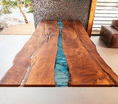 Обеденный стол Кутюрье