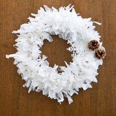 Beautiful Upcycling: Plastic Bag Holiday Wreath