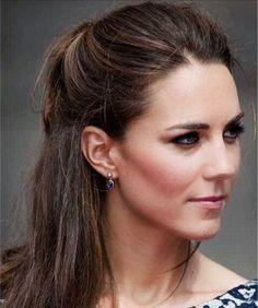 Looks Kate Middleton, Kate Middleton Outfits, Kate Middleton Model, Kate Middleton Makeup, Prince William And Catherine, William Kate, Kate Middleton Earrings, Princesa Kate Middleton, Diana Williams