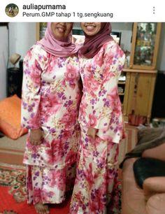 Baju Melayu twinin' with ma mother