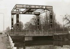 Tongelre Hefbrug over kanaal. Eindhoven, Marina Bay Sands, 1975, Building, December, Pictures, Travel, Photos, Voyage