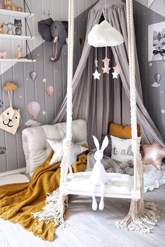Inspiration from Instagram - A n d r e a @andrealingjerde - pastel girls room ideas, pink and grey girls room design, kidsroom decor, girls kidsroom