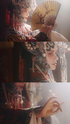 赤伶 原创戏曲MV|摄影|人像|知竹zZ - 原创作品 - 站酷 (ZCOOL) Traditional Fashion, Traditional Dresses, Aesthetic Photo, Aesthetic Pictures, Hulk Art, Chinese Opera, Murals Street Art, Cosplay, China Art