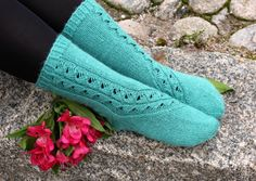 Finnish version in Ullaneule, English version coming soon to Ravelry! Knitting Patterns Free, Free Knitting, Free Pattern, Knitting Socks, Knit Socks, Boot Cuffs, Crochet Stitches, Mittens, Ravelry