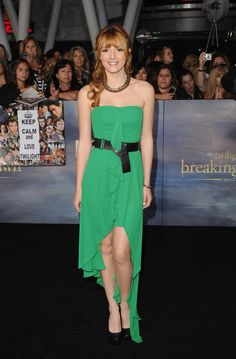 Bella Throne: 'Breaking Dawn' Darling: Photo Bella Thorne is gorgeous in green at the premiere of The Twilight Saga: Breaking Dawn Part 2 held at Nokia Theatre L. Live on Monday night (November in Los… Pink And Green Dress, Mint Green, Bella Thorne And Zendaya, Bella Throne, Emerald Dresses, Fishtail Dress, Sexy Dresses, Formal Dresses, Zendaya Coleman