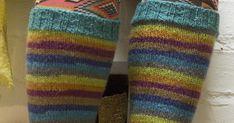 """Netti pursuaa polvisukkaohjeita seiskaveikalle ja sen vahvusille langoille. Kai varmasti näitä """"nallen vahvuisiakin"""" on, mutta tässä nyt ... Leg Warmers, Socks, Accessories, Leg Warmers Outfit, Sock, Stockings, Ankle Socks, Jewelry Accessories, Hosiery"""