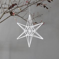 star himmeli hanging mobile--need to make this with natural straw. Noel Christmas, All Things Christmas, Winter Christmas, Christmas Crafts, Christmas Decorations, Christmas Ornaments, Holiday Decor, Decor Crafts, Diy And Crafts