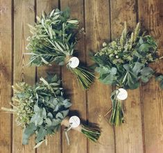 33 ideas diy wedding flowers eucalyptus for 2019 Simple Bridesmaid Bouquets, Spring Wedding Bouquets, Diy Wedding Flowers, Bride Bouquets, Bridal Flowers, Flower Bouquet Wedding, Floral Wedding, Diy Flowers, Bridal Bouquet Diy