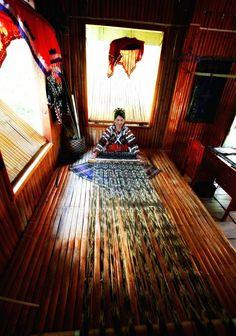 8 World-Class Philippine Woven Fabrics Weaving Textiles, Weaving Patterns, Structured Fashion, Handloom Weaving, Visayas, World Class, Making Waves, Spanish Colonial, Exotic Plants