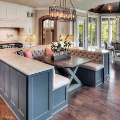 Kücheninsel mit Sitzbankidee - dream house luxury home house rooms bedroom furniture home bathroom home modern homes interior penthouse Kitchen Island With Bench Seating, Kitchen Inspirations, House Design, House, Home, House Rooms, House Interior, Kitchen Dining Room, Home Kitchens