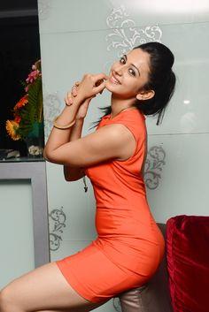 Rakul Preet Singh Long Legs Thigh Show In Mini Blue Skirt - Rakul Preet Singh Bollywood Bikini, Bollywood Actress Hot, Beautiful Bollywood Actress, Bollywood Celebrities, Bollywood Fashion, Beautiful Girl Photo, Beautiful Girl Indian, Beautiful Indian Actress, Beautiful Actresses
