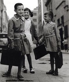 Colegiales, 1961 by Eugeni Forcano National Photography, Street Photography, White Photography, Vintage Photographs, Vintage Images, Old Pictures, Old Photos, Barcelona Tours, Henri Cartier