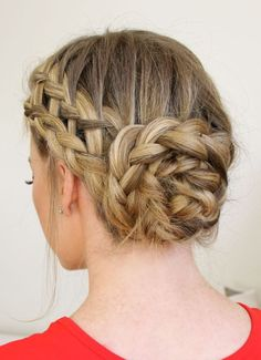 This braided bun is gorgeous!