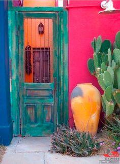 ¿Estás pensando en decorar o remodelar tu casa? Checa esta decoración estilo mexicano. Si estas pensando en comprar tu casa visita nuestra página. #casa #patio #hogar #decoracion #espacio #estilo #diseño #mexicano #mexico #diseñodeinteriores #interiorismo #colores #moderno #hogarideal #decor #home #homedecor #interiordesign #design #modern #magenta #decoration #homedecoration #homesweethome #financiamento #renovacion #estilomexicano #remodelar #tucasaexpress