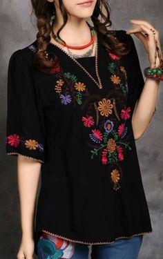 Ideas for embroidery blouse outfit mexican Estilo Hippie, Hippie Boho, Mexican Fashion, Look Fashion, Womens Fashion, Mode Top, Mexican Dresses, Mexican Clothing, Mexican Blouse