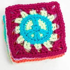 Free pattern to make these groovy Peace Sign Grannies