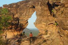 Recorte na pedra com forma do estado do Tocantins