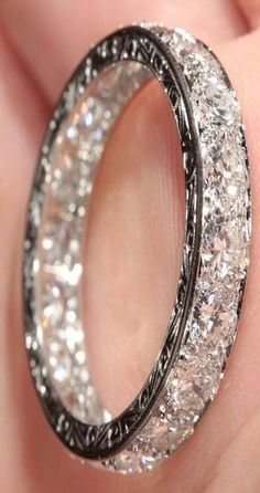 Love love LOVE this ring! I wants the Preciousssss...