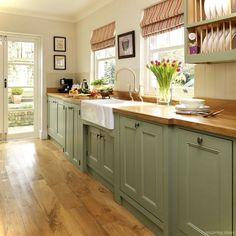 Cool 69 Amazing Cottage Kitchen Cabinets Ideas https://roomaniac.com/69-amazing-cottage-kitchen-cabinets-ideas/