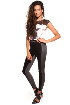 Leggings con tableros polipiel en gris y negro de Q2 Collection. www.monanva.com