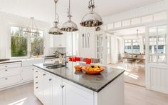 "Se fler bilder ifrån huset       New England hus A2912  ""Alla familjer New England Hus, Rum, Kitchen Island, Kitchens, New Homes, House, Design, Home Decor, Pictures"