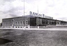 Fabuloasa poveste a companiei BANLOC – GOODRICH, prima fabrică de cauciucuri din România, care produce neîntrerupt de aproape 80 de ani Romania, Louvre, Mansions, Architecture, House Styles, Building, Travel, Arquitetura, Viajes