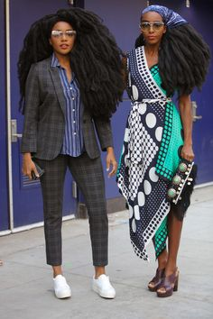Gloriously Chic - All The Glorious Street Style Looks From New York Fashion Week Twin Models, Female Models, Women Models, Quann Sisters, New York Fashion Week 2018, Mario, Brown Girl, Black Women Fashion, Street Style Looks