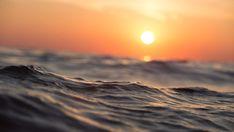 Imagem gratis no Pixabay - Ondas, Sunrise, Oceano, Mar Sunset Pictures, Beach Pictures, Pictures Images, Free Pictures, The Ocean, Ocean Sunset, Ocean Deep, Summer Sunset, Ocean Beach