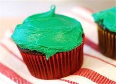 Chocolate Peppermint Holiday Cupcakes