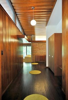 The ultimate guide to home shopping. A house tour post for the lovers of the mid-century modern design. Mid Century Modern Decor, Mid Century Modern Furniture, Mid Century Design, Midcentury Modern, Danish Modern, Home Design, Modern Interior Design, Design Ideas, Mid Century Bedroom