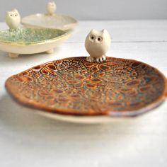 Ceramic owl tiny bowl handmade Owl on Brown glazed par OneClayBead,