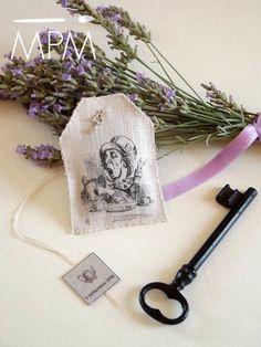 Ma Petite Maison: Tea bags - Alice in Wonderland
