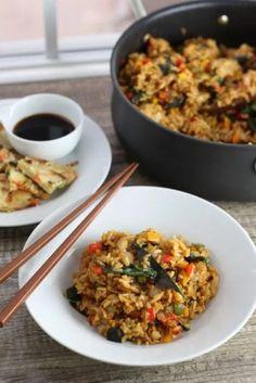 Vegetarian Cookbook, Vegetarian Recipes, Stir Fry Dinner Recipes, Basil Fried Rice, Veggie Pasta, Thai Basil, Gluten Free Rice, Sauce Recipes, Pasta Dishes
