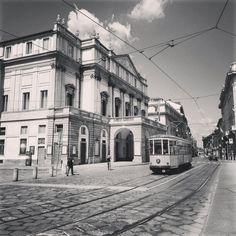 Tram Milano and the Scala Theatre